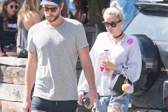 Tái hợp với bạn trai, Miley Cyrus không còn thích tiệc tùng - Ảnh 2.