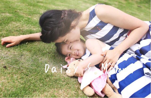 MC Minh Trang và con gái lớn Daisy.