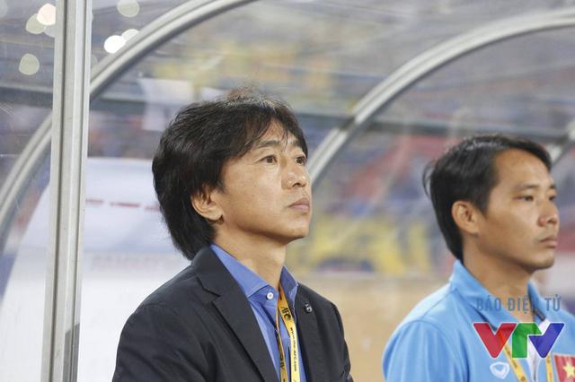 HLV Miura đã không thuyết phục được NHM bằng lối chơi của mình