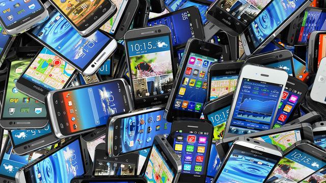 Theo báo cáo của musicMagpie, smartphone mất giá hơn cả ôtô (Ảnh minh họa)