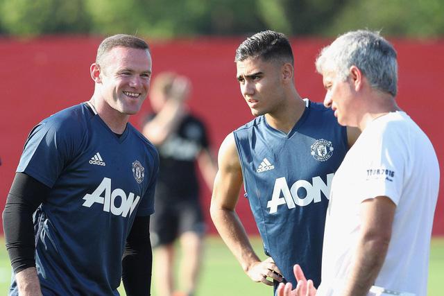 Mourinho từng bước tạo ảnh hưởng tại đội bóng mới