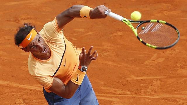 Nadal khởi đầu với set 1 khá vất vả song vẫn thắng Monfils 7-5.