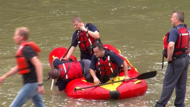 Lực lượng cứu hộ lũ lụt. (Ảnh: nbcnews.com)