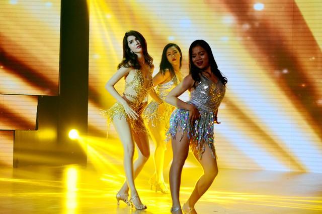 Ngọc Trinh từng chia sẻ cô luyện nhảy để giữ vóc dáng.