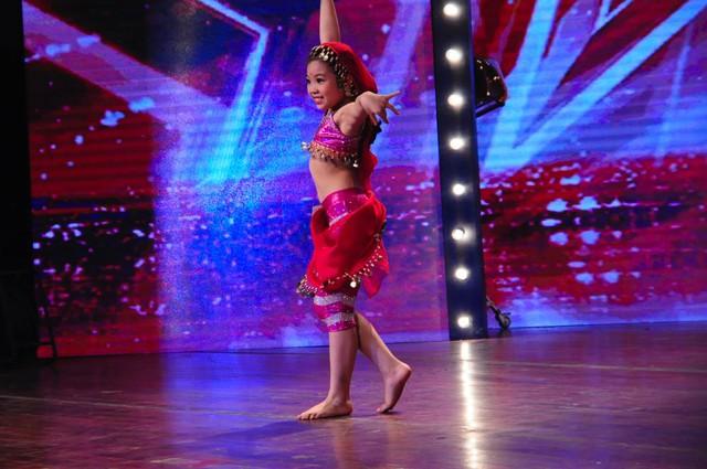 Nguyễn Ngọc Hà My cũng là tài năng nhí tranh tài trong đêm bán kết 2.