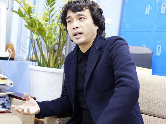 Nhà báo Phan Ngọc Tiến trong buổi trao đổi với Báo điện tử VTV News.