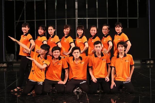 Nhóm múa bóng đến từ Đại học Yersin Đà Lạt