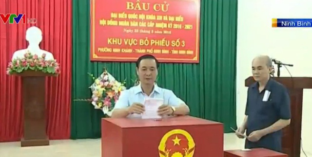 Cử tri Ninh Bình tham gia bỏ phiếu