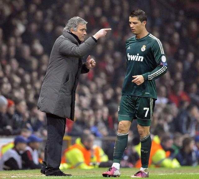 Cristiano Ronaldo từng nói rằng Mourinho đã mang đến bầu không khí không tốt tới phòng thay đồ Real Madrid.