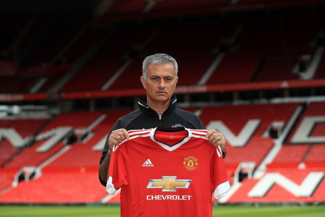 Mourinho chưa từng là HLV dễ tính với các hành vi ăn chơi của các học trò.