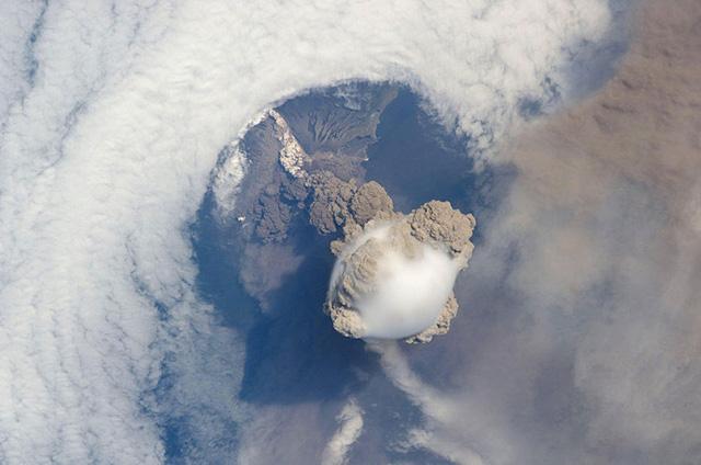 Núi lửa Sarychev