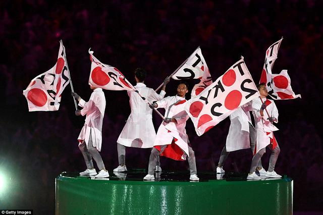 Màn trình diễn của đoàn Nhật Bản tại lễ bế mạc