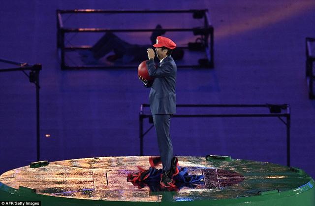 Thủ tướng nhật Shinzo Abe hóa thân thành Super Mario