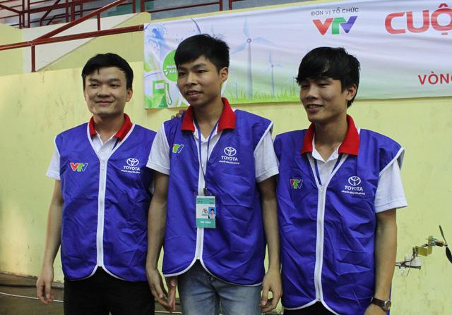 Các chàng trai của đội KT03 đến từ Đại học Giao thông Vận tải