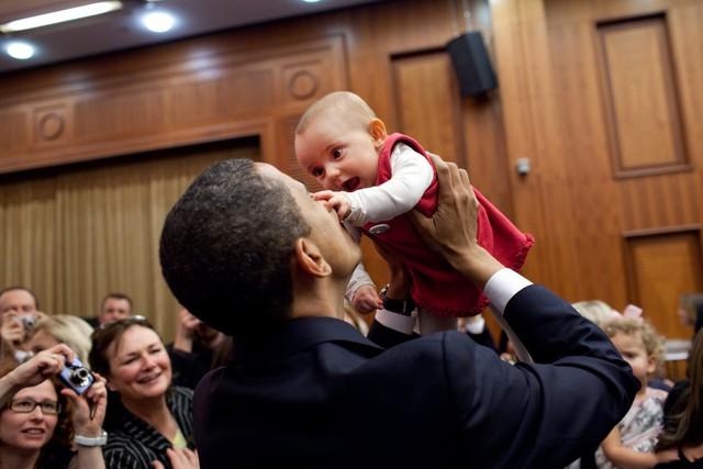 Đây có lẽ là một trong những người hâm mộ ông Obama nhỏ tuổi nhất. Ảnh được chụp tại CH Czech vào năm 2009.