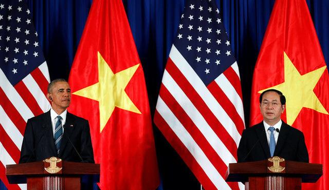 Chủ tịch nước Trần Đại Quang và Tổng thống Obama tại họp báo quốc tế Việt Nam - Hoa Kỳ (Ảnh: Reuters)