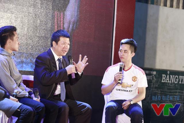 Trong phần giao lưu khách mời, BLV Quang Huy đã tiết lộ nhiều điều của về tình yêu Man Utd của mình