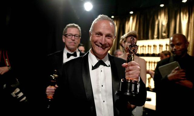 Ben Osmo chiến thắng giải Biên tập âm thanh mixing cho phim Mad Mad: Road Fury. (Ảnh: Christopher Polk/Getty Images)