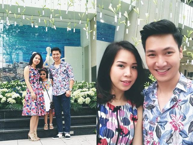 Nam diễn viên Mạnh Trường khoe ảnh chụp cùng người vợ xinh đẹp và bé Chíp khi cả gia đình diện đồ tông xuyệt tông.