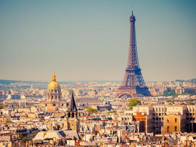 19. Paris (Pháp): Nếu bạn yêu thành phố lãng mạn này, hãy đặt phòng trước 4 tháng để có thể tiết kiệm 32% chi phí cho chuyến du lịch của mình