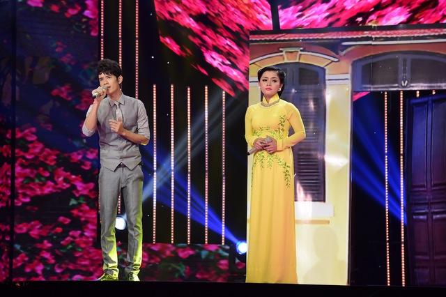Ở đội Đan Trường, Nguyễn Duy và Hồng Quyên thể hiện ca khúc Đêm tâm sự.