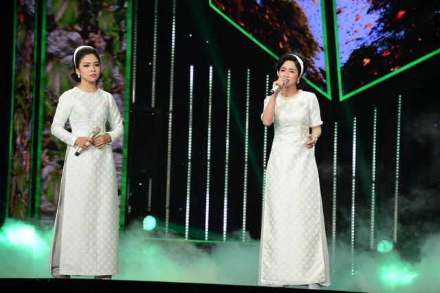 Mỹ Linh – Phương Anh khiến khán giả bất ngờ với Ngày em 20 tuổi.