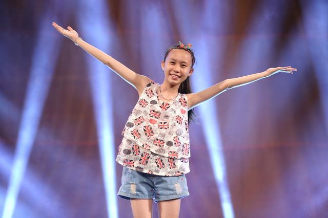 Cô bé opera Nguyễn Phương Anh trong buổi tập luyện chuẩn bị cho đêm bán kết 7.