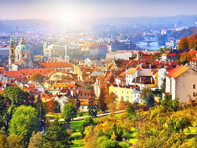 20. Prague (CH Czech): Bạn sẽ tiết kiệm 33% chi phí cho chuyến du lịch của mình nếu đặt phòng trước từ 2 - 5 tháng