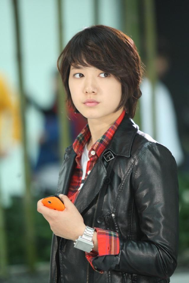 Đến năm 2009, tên tuổi của Park Shin Hye khi tham gia bộ phim truyền hình gây sốt toàn châu Á Youre beautiful
