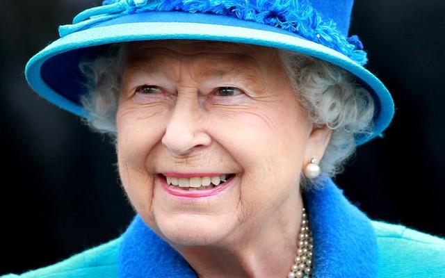 Luôn giữ tinh thần lạc quan là một trong những bí quyết sống thọ của Nữ hoàng Elizabeth II. (Ảnh: Getty Images)
