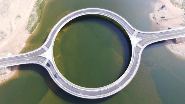 6. Puente Laguna Garzon, Uruguay, đã hoàn thành năm 2015.