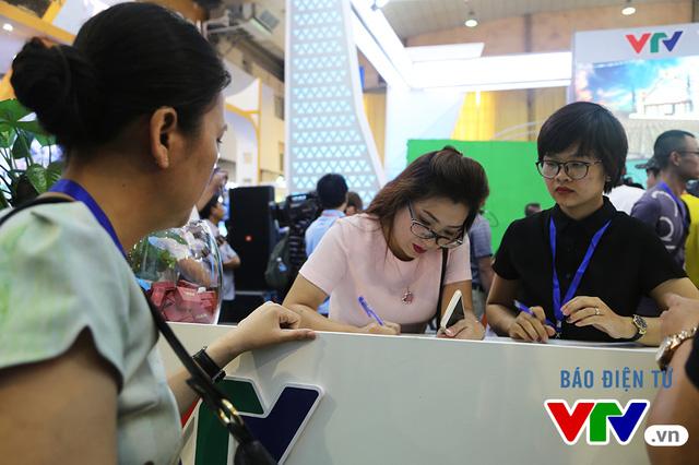 Bên cạnh đó, khách tham quan còn được tìm hiểu thêm về các chương trình của VTV cũng như đăng ký dẫn dắt thử trước ống kính.