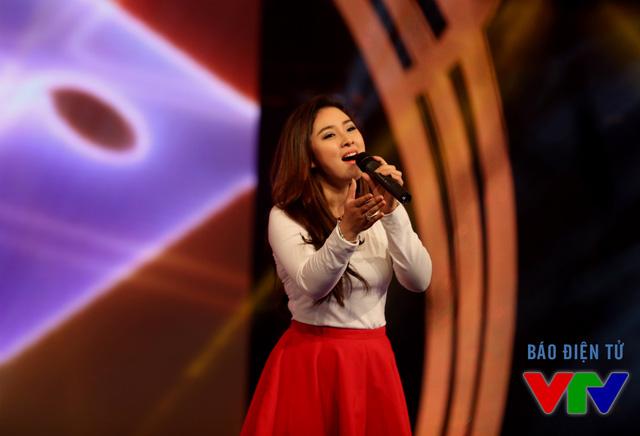 Tiết mục có cả sự tham gia của ca sĩ Bảo Trâm, một trong những gương mặt nghệ sĩ nhiều lần xuất hiện trên VTV3.