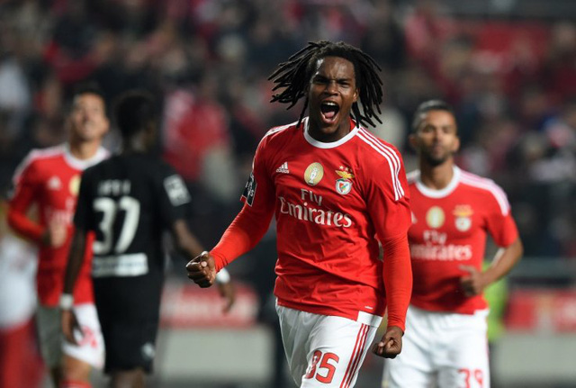 Sao mai Renato cũng được cho mục tiêu của Man Utd trên thị trường chuyển nhượng.