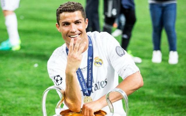 Thành công trên sân cỏ giúp Ronaldo kiếm về những khoản thu nhập khổng lồ (Ảnh: AP)