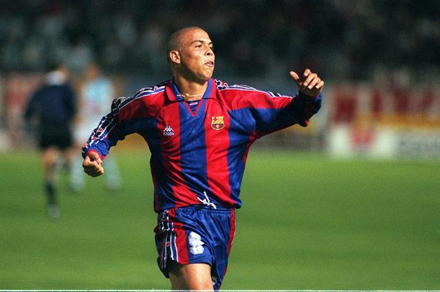 Ronaldo chỉ có một năm khoác áo Barca