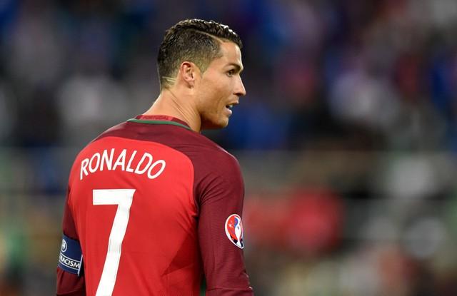 Ronaldo vẫn là niềm hi vọng lớn nhất của Bồ Đào Nha tại EURO 2016. Ảnh: Getty