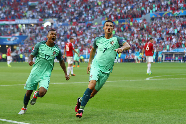 Ronaldo ăn mừng bàn thắng vào lưới Hungary. Ảnh: Getty