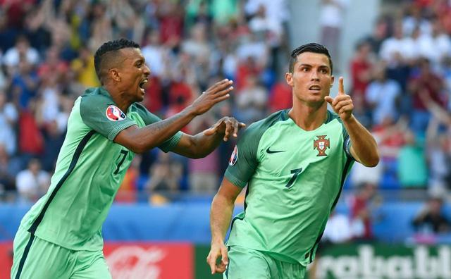 Ronaldo và Nani là 2 nhân tố được NHM Bồ Đào Nha chờ đợi để hi vọng, đặt niềm tin...