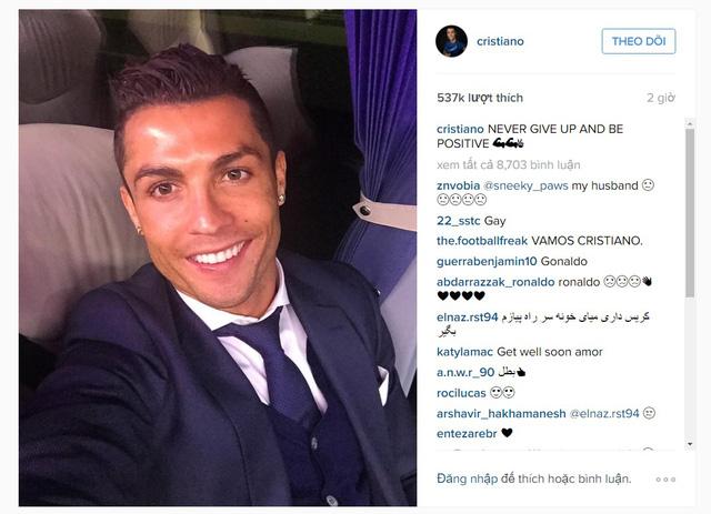 Ronaldo khoe ảnh selfie sau trận gặp Man City