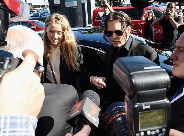 Phiên tòa xét xử vụ ly hôn của Johnny và Amber đã bị hoãn.