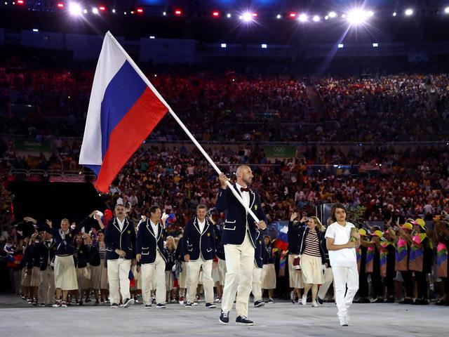 Đoàn thể thao Nga trong lễ khai mạc Olympic 2016 (Ảnh: Getty Images)
