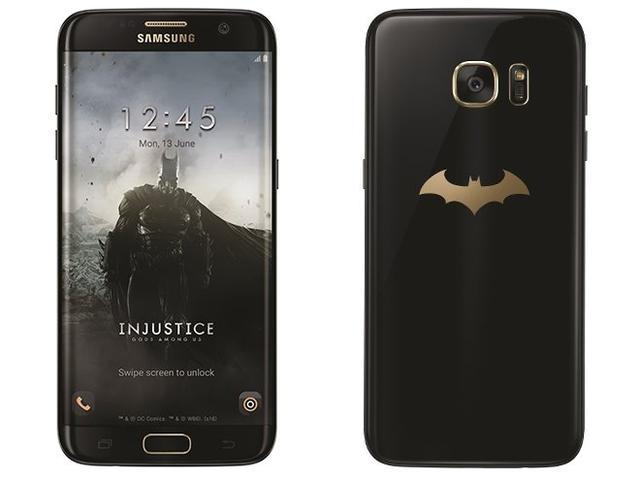 Mặt trước và mặt sau của phiên bản Galaxy S7 edge Injustice Edition