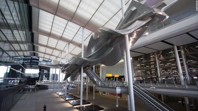 8. Sân bay Heathrow (London, Anh) (Ảnh: CNN)