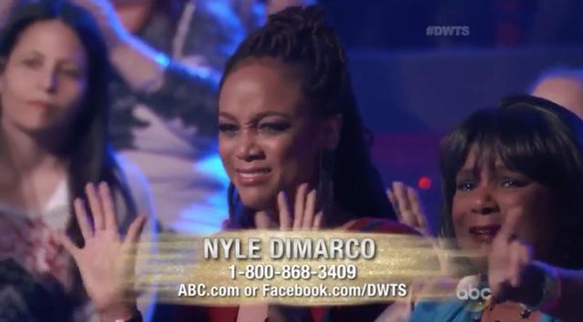 Tyra Banks lại nức nở sau khi theo dõi màn trình diễn của Nyle DiMarco.