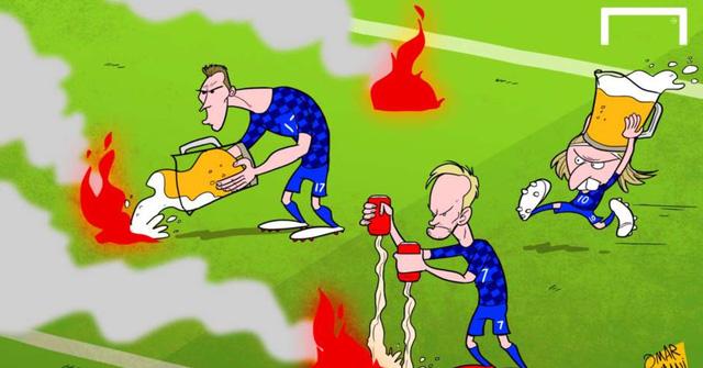 Các cầu thủ Croatia đã phải chữa cháy và xấu hổ vì hành động ném pháo xuống sân của các CĐV trong trận hoà 2-2 trước CH Czech.