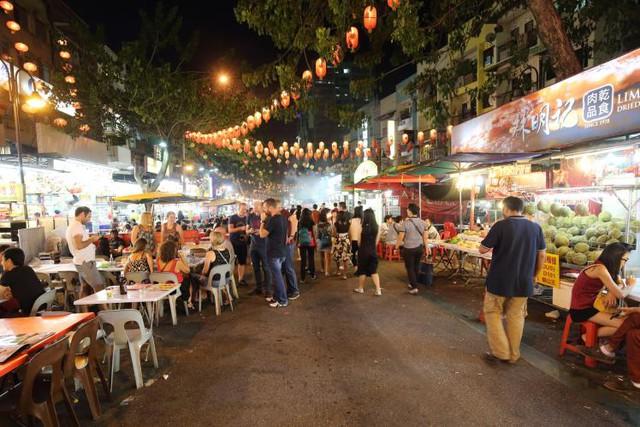 Một khu ẩm thực và chợ Tết tại Kuala Lumpur