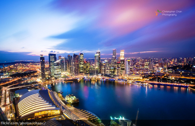 12. Singapore: Không ăn trên các phương tiện giao thông công cộng.