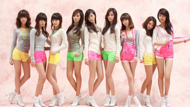 Các nhóm nhạc thần tượng của K-pop hút fan châu Á trong đó có Việt Nam.