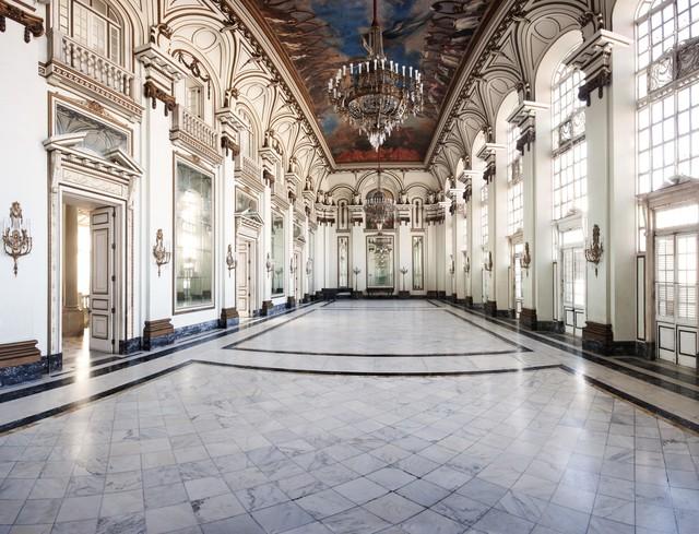 Phòng hội trường tại Phủ Chủ tịch với trần nhà được thiết kế ấn tượng